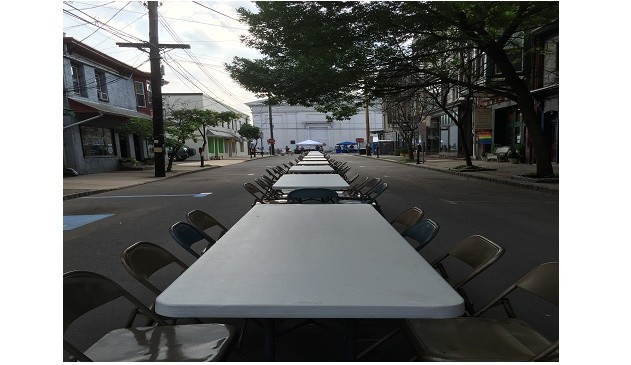 table and chairs from food truck 2015